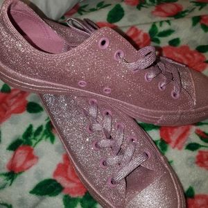 Baby pink glitter converse